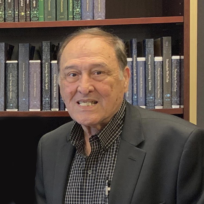 Dr. Esdras Betancourt